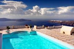 Luxuspool im Freien, Reise, Ferien, Entspannung, Hintergrund Stockfotografie