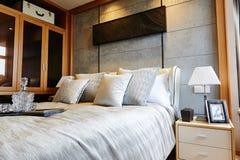 Luxusschlafzimmer Innenraum stockbild