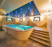 Luxusswimmingpool Lizenzfreie Stockfotografie