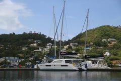 Luxusyacht in St- George` s Jachthafen, Grenada Stockfotografie