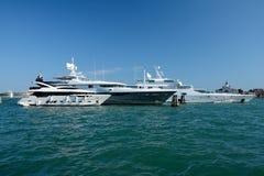 Luxusyachten festgemacht in Venedig, Italien Stockfoto