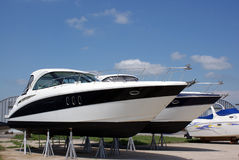 Luxuxboote für Verkauf Stockbild