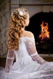 Luxuxbraut mit Hochzeitsfrisur Lizenzfreie Stockbilder