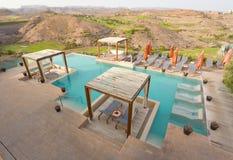 Luxuxgarten-Pool stockbilder