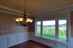Luxuxhaus Dinning Raum mit Ansicht Stockbild