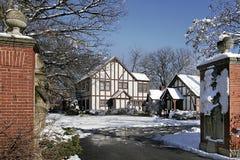 Luxuxhaus mit Steinpfosten Lizenzfreies Stockfoto
