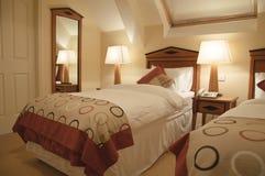 Luxuxinnenraum des modernen Schlafzimmers Stockfotografie