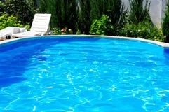 Luxuxrücksortierung-Pool Stockfotografie