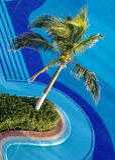 Luxuxrücksortierunghotel-Swimmingpool stockfoto