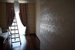 Luxuxwohnwohnungen mit Stepladder Stockfotografie