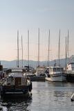 Luxuxyacht im Kanal des Heiligen-tropez Lizenzfreies Stockfoto