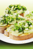 A luz aberta enfrentou sanduíches do pepino Imagens de Stock Royalty Free