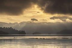Luz atrás da névoa Imagem de Stock