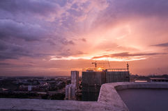 ` A luz atrás do ` da construção Fotos de Stock Royalty Free