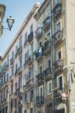 A luz bonita coloriu construções em Cagliari, Sardinia fotografia de stock