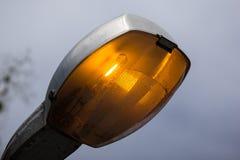Luz da lâmpada de rua no dia Fotos de Stock Royalty Free