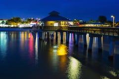 Luz da noite no cais da pesca no forte Myers Beach Fotografia de Stock