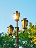A luz da reflexão na lâmpada de rua Imagens de Stock Royalty Free