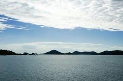 Luz da tarde do Seascape em Tailândia Fotografia de Stock Royalty Free