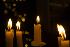 A luz da vela na noite Foto de Stock Royalty Free
