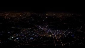 luz da vista 4K aérea das casas e estradas da cidade de Shanghai Vista superior na noite vídeos de arquivo