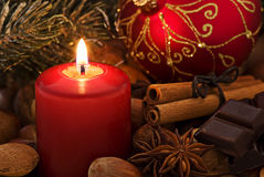 Luz de Cadle con la decoración de la Navidad Fotos de archivo libres de regalías