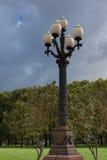 Luz de calle en el cuadrado de Lukiskiu Fotografía de archivo