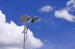 Luz de calle solar Foto de archivo