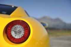Luz de la cola del coche de deportes imagen de archivo