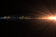 Luz de la llamarada de la lente sobre fondo negro Fácil añadir la capa o s Foto de archivo libre de regalías