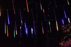 Luz de la Navidad en la noche en Nueva York, los E.E.U.U. foto de archivo