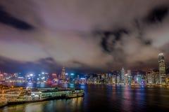 Luz de la noche de Hong Kong de la ciudad Fotos de archivo libres de regalías