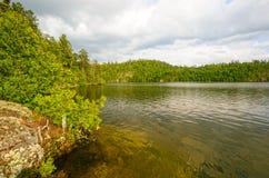 Luz de la tarde en un lago wilderness Fotografía de archivo libre de regalías