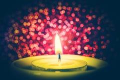 Luz de la vela imagen de archivo libre de regalías