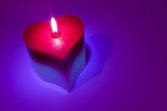 Luz de la vela del corazón Fotos de archivo libres de regalías