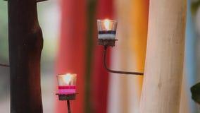 Luz de la vela en fondo de la falta de definición