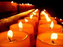 Luz de la vela en una iglesia Foto de archivo libre de regalías