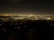 Luz de Los Ángeles en la noche oscura Foto de archivo