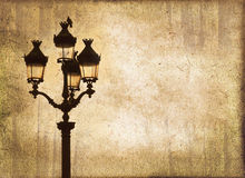 Luz de rua no por do sol, fundo do vintage do sepia Fotos de Stock Royalty Free