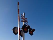 Luz de señal de la muestra de la travesía del tren de ferrocarril Fotografía de archivo libre de regalías