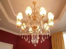 Luz de suspensão do cristal fotografia de stock royalty free