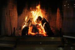 Luz de un fuego que quema brillante Foto de archivo