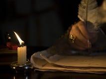 Luz de vela & Quill Imagens de Stock Royalty Free