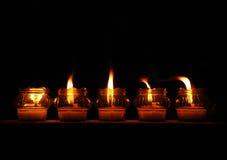 Luz de vela macia na noite imagem de stock