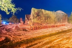 Luz de vela no dia de Makha Bucha, Tailândia Imagens de Stock
