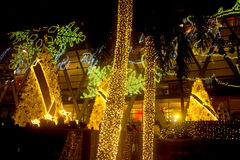 A luz decora bonito na celebração 2017 da árvore de Natal Fotografia de Stock