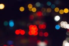 Luz del atasco de Bokeh en la noche fotos de archivo
