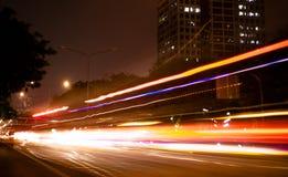 Luz del coche en el movimiento imágenes de archivo libres de regalías