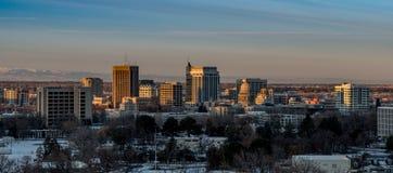 Luz del sol de la madrugada en el horizonte de Boise en invierno con nieve Fotografía de archivo libre de regalías