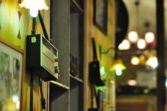 Luz despacio de la electricidad del obturador del foco de la falta de definición de la noche de Bokeh Foto de archivo libre de regalías